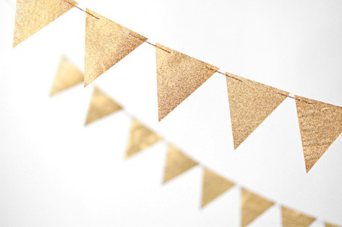 gold bunting