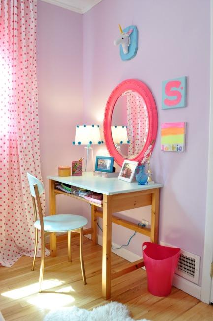sophs desk 109