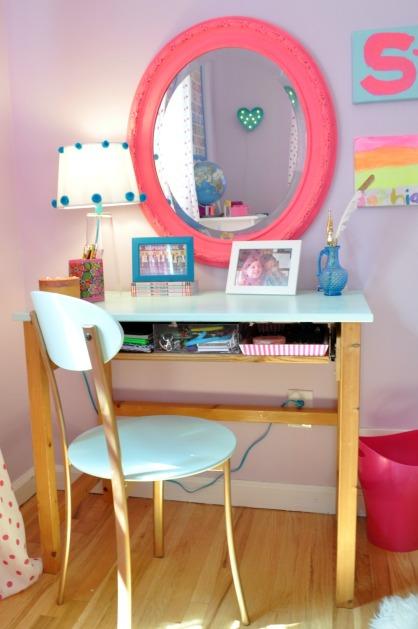 sophs desk 115