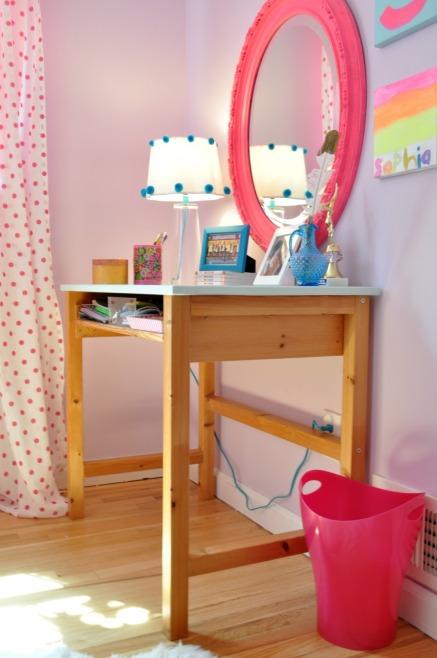 sophs desk 124